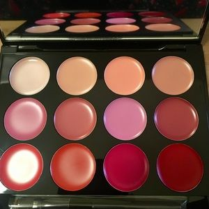 ISH LIP STATEMENT PALETTE with Mirror